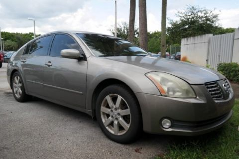Pre-Owned 2004 Nissan MAXIMA SL Front Wheel Drive 4dr Car