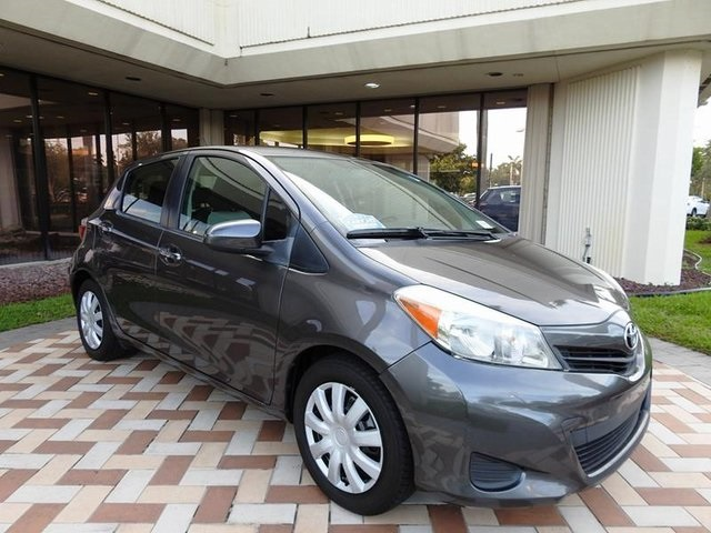 Pre-Owned 2012 Toyota YARIS SE